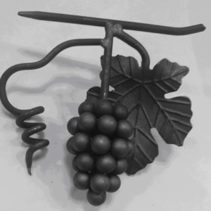Кованая виноградная гроздь с листьями Арт. 21.06 С