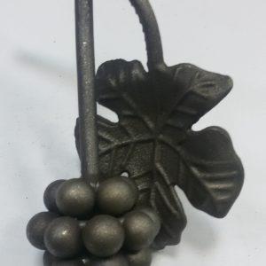Кованая виноградная гроздь с листьями Арт. 21.04 С