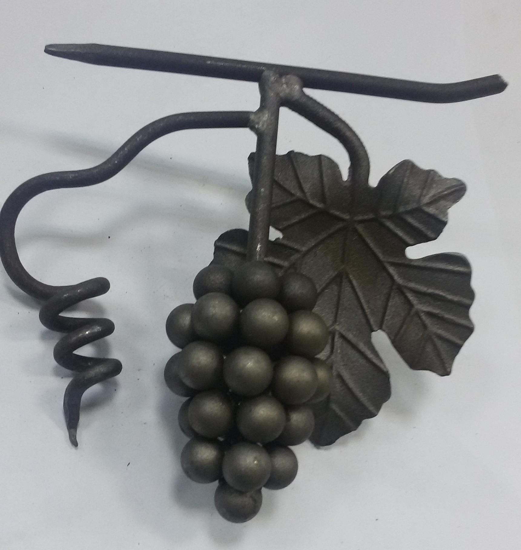 Кованые гроздья
