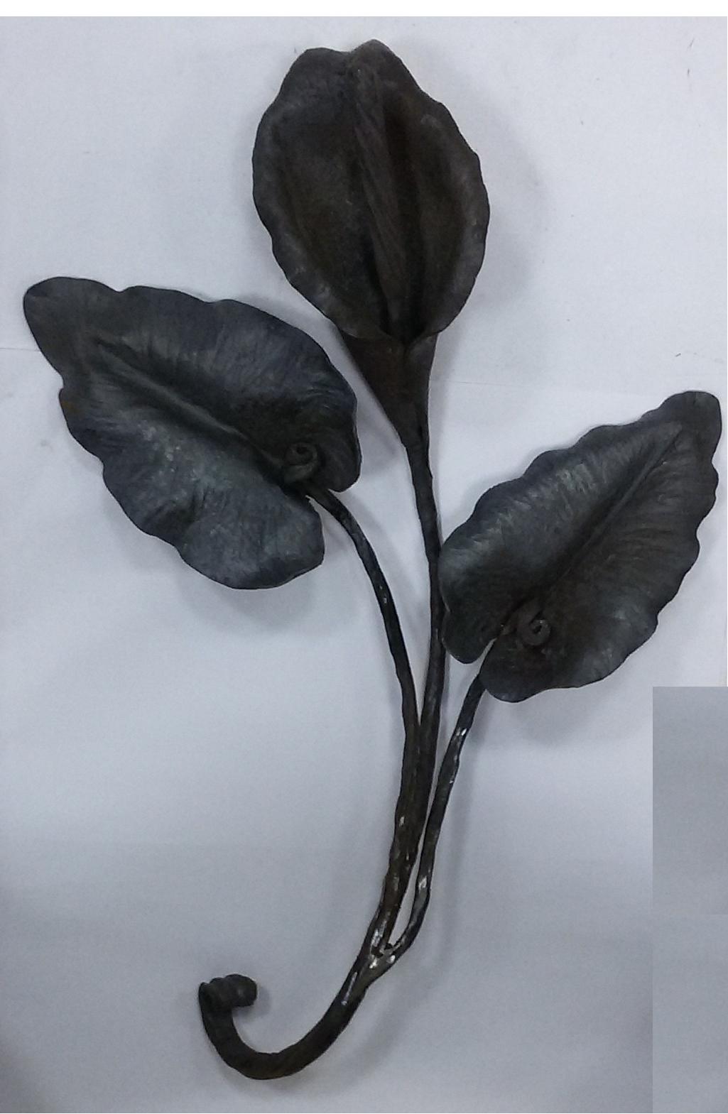 Цветок «Калл» с листьями