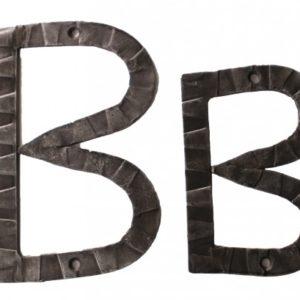 Кованная буква В ручной работы НС-814